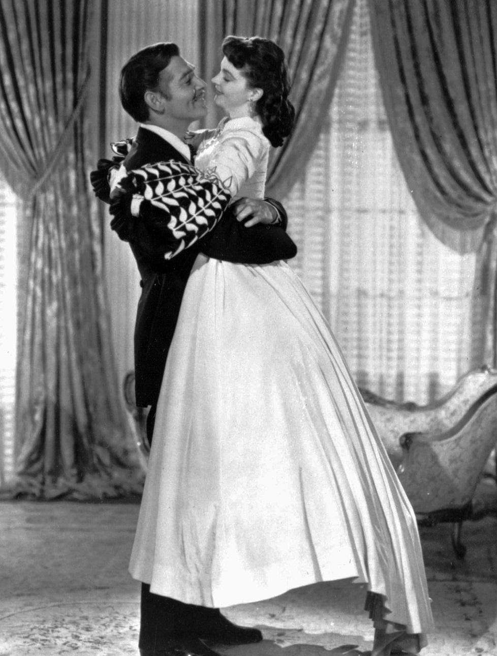 Clark Gable and Vivien Leigh in a scene