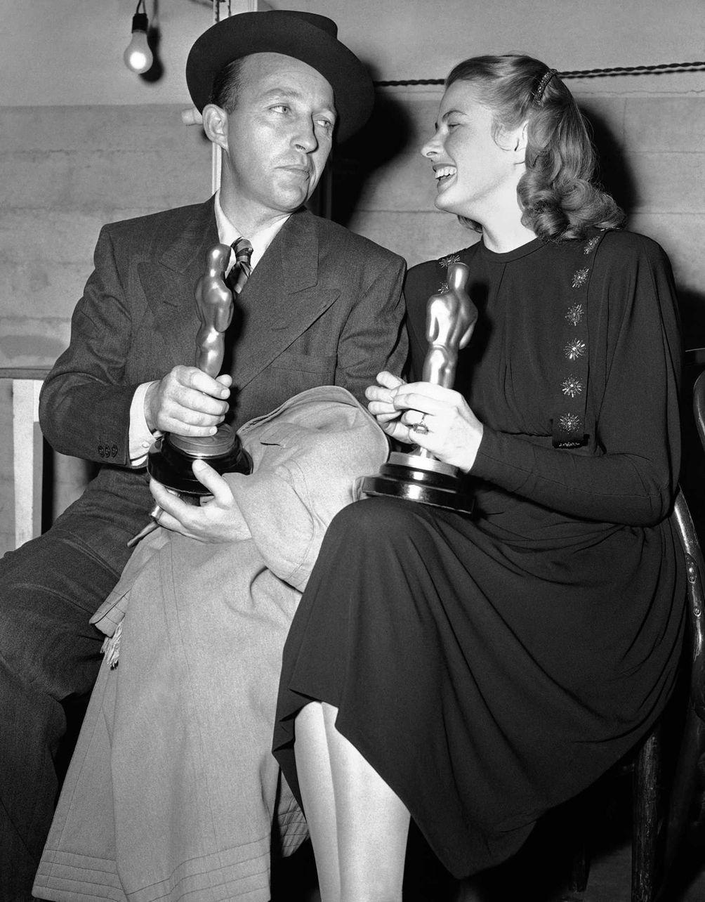 Bing Crosby and Ingrid Bergman, holding the Oscar