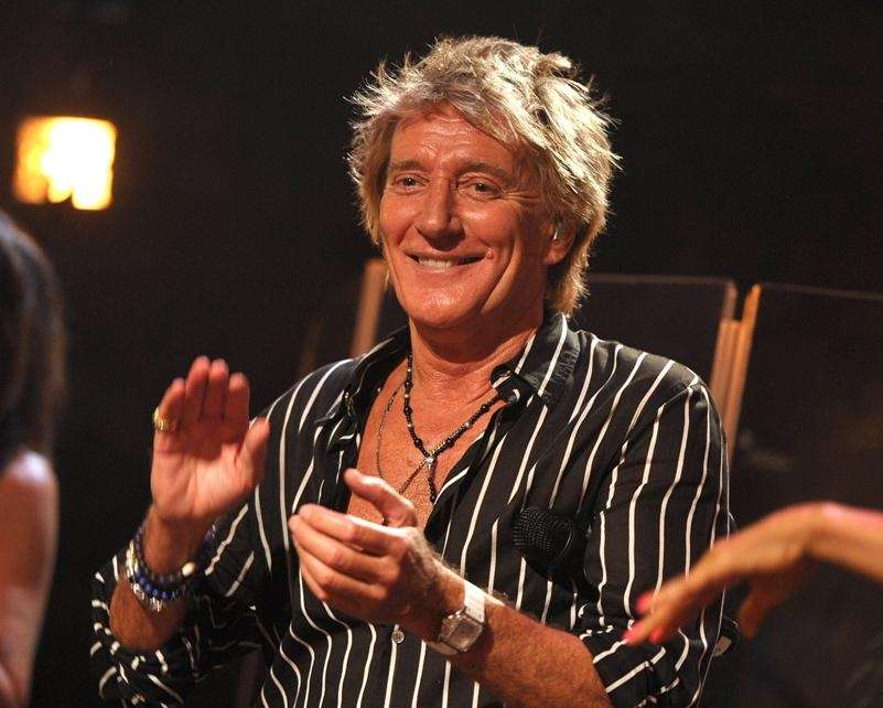 In April 1982, a gunman robbed Rod Stewart