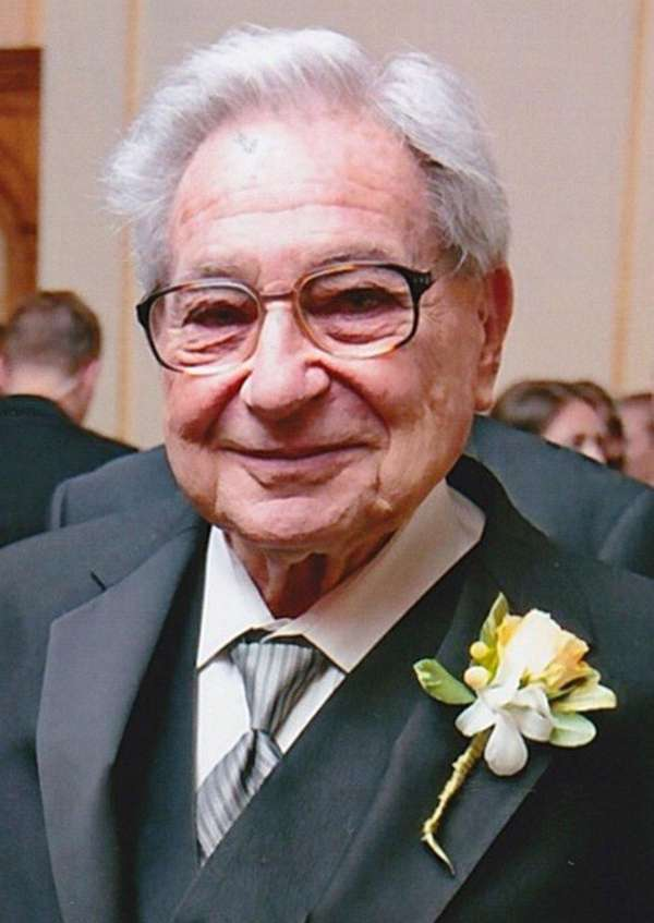 Gerald Bogatz, who built 19 homes across Long