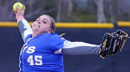 East Meadow's Christina Loeffler pitches during a Nassau