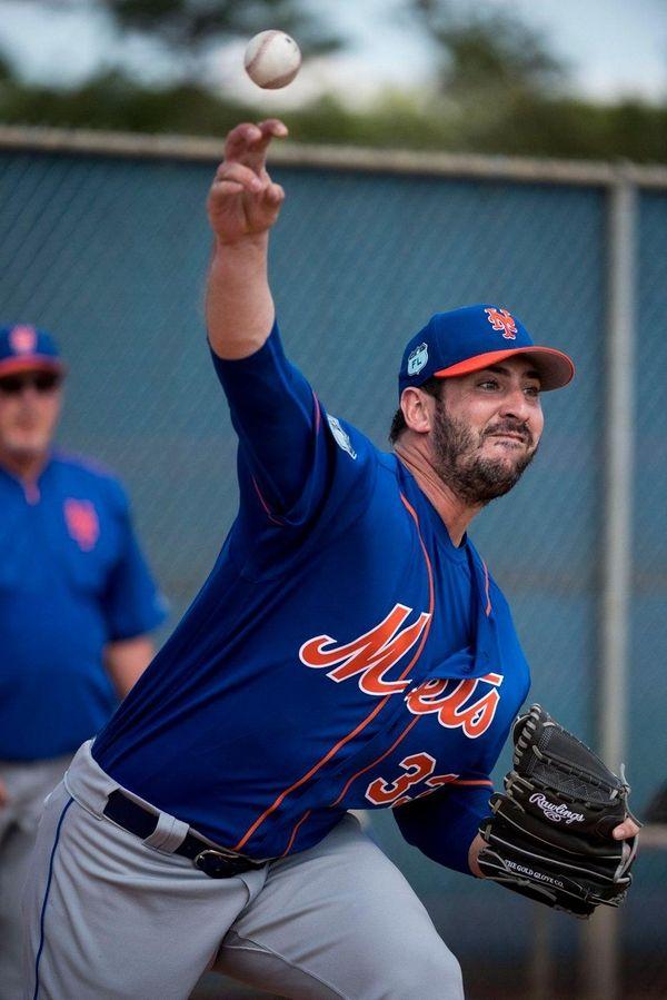 NewYork Mets pitcher Matt Harvey throws a bullpen