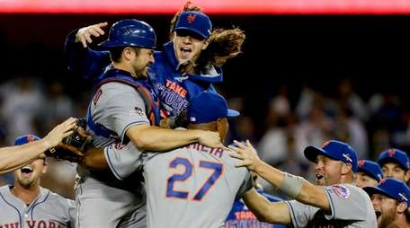 New York Mets starting pitcher Jacob deGrom, above