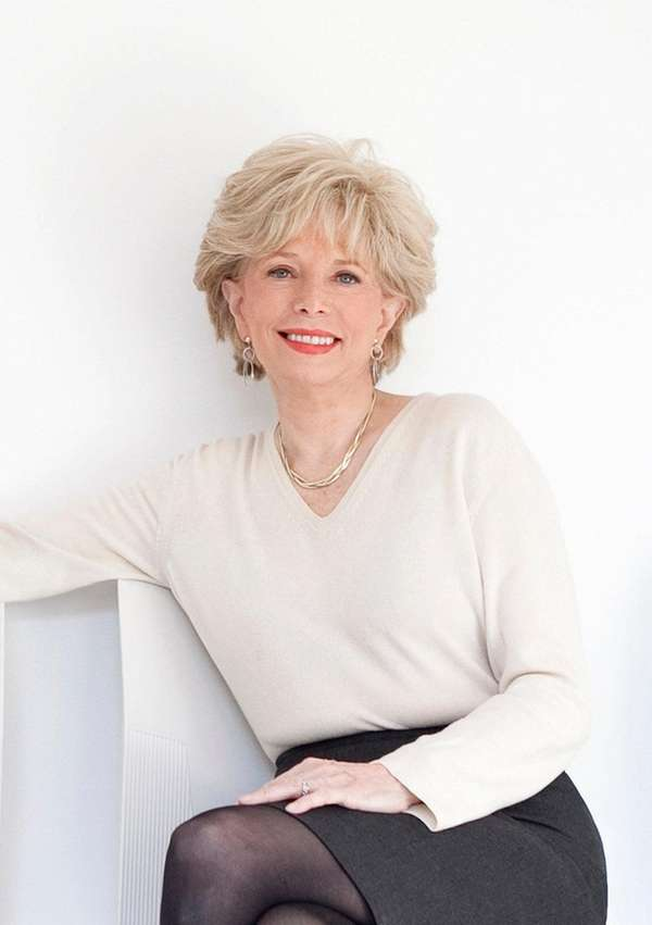 Lesley Stahl will be signing copies of her