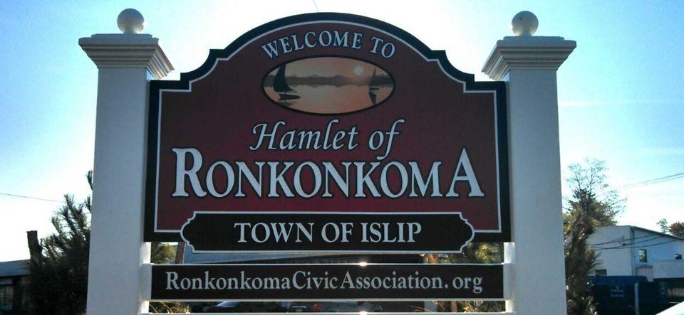Original names: Rockconcomuck, Raconkamucik The name Ronkonkoma comes