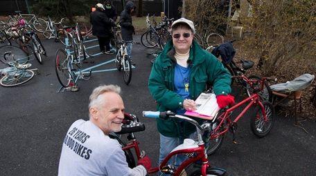 Gary Michael, coordinador de la colección de Pedals for Progress,