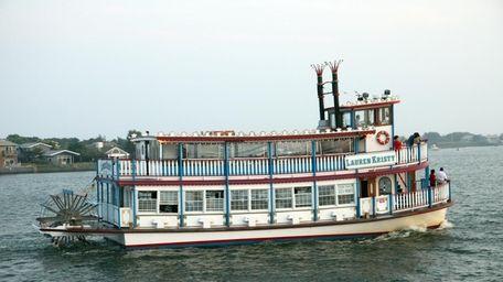 The Lauren Kristy leaves Bay Shore Marina for