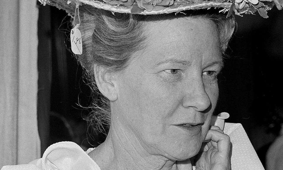 Comedian Minnie Pearl lent her name to a