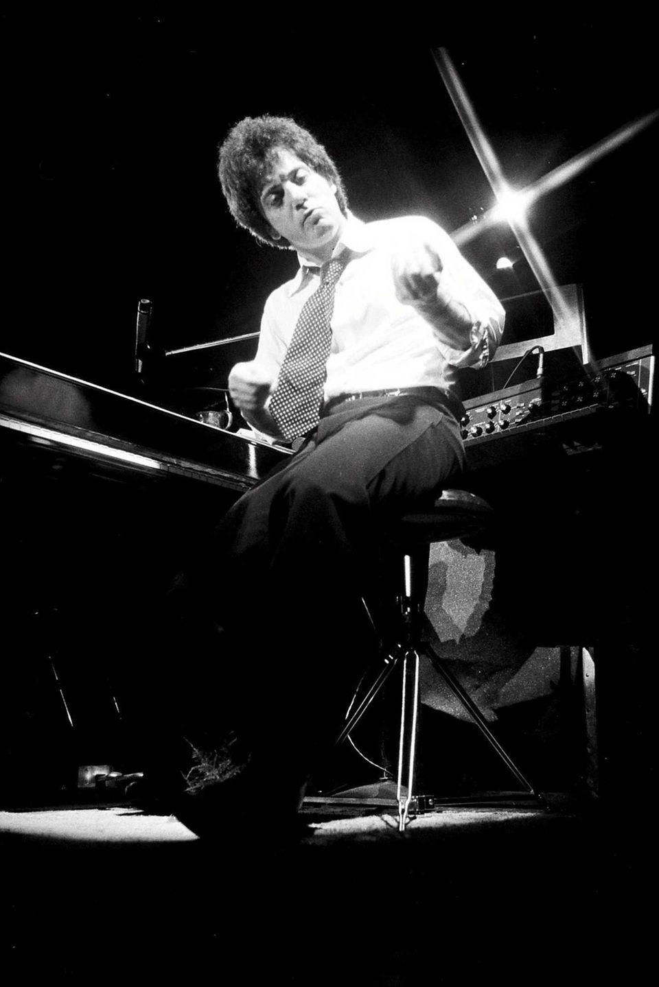 April 2, 1972: Billy Joel plays the Mar