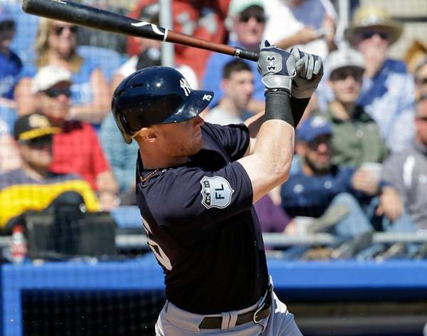 New York Yankees' Clint Frazier hits a home
