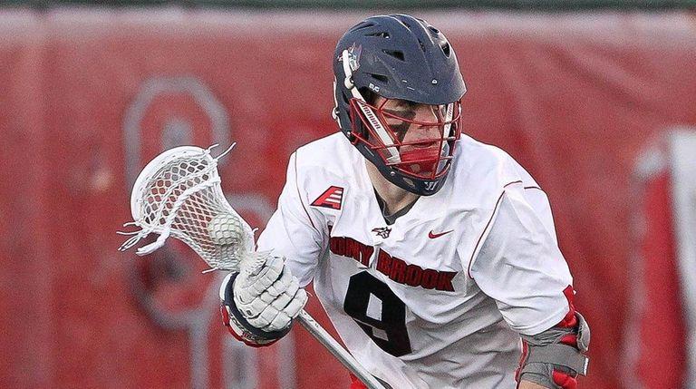 Stony Brook's Ryan Bitzer (9) carries the ball