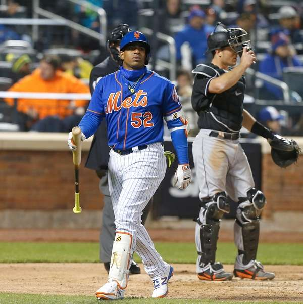 Yoenis Cespedes, #52, of the New York Mets