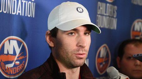 New York Islanders center John Tavares speaks to