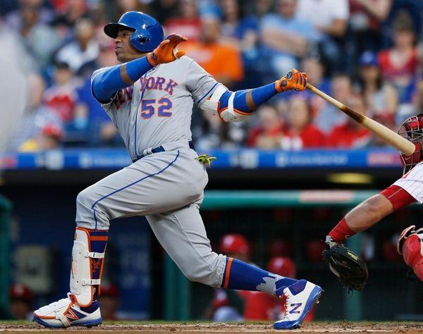 New York Mets' Yoenis Cespedes follows through on