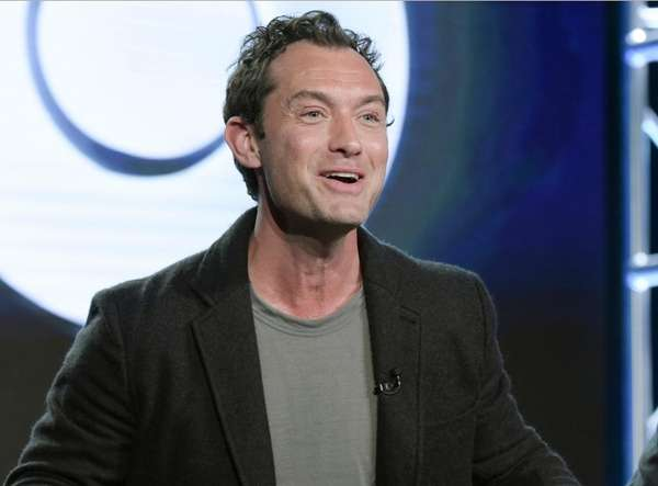 Jude Law will play young Albus Dumbledore in
