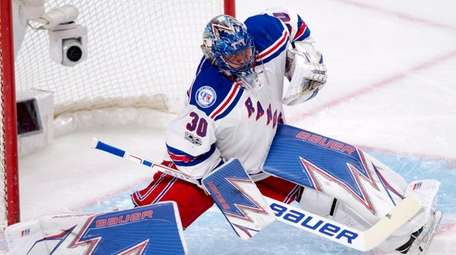 New York Rangers goalie Henrik Lundqvist (30) makes