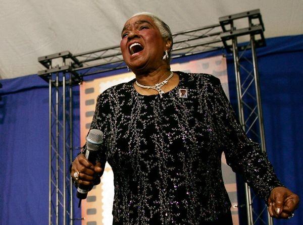 Jazz and blues singer Linda Hopkins