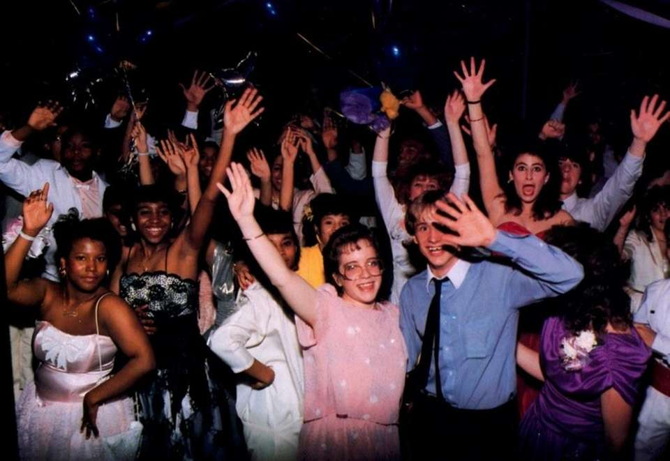 The prom-goers of North Babylon High School waved