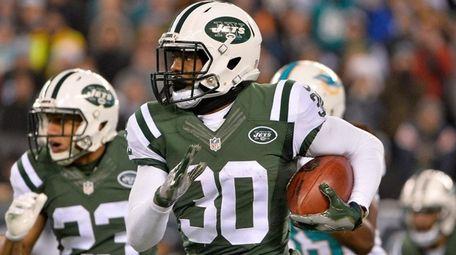Nick Marshall of the New York Jets runs