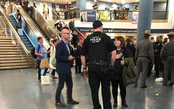 Taser sparks panic and stampede at overcrowded NY  railway station