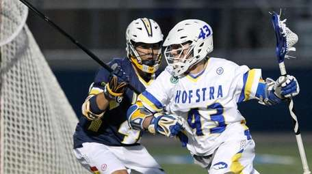 Hofstra's Ryan Tierney (43) moves the ball and
