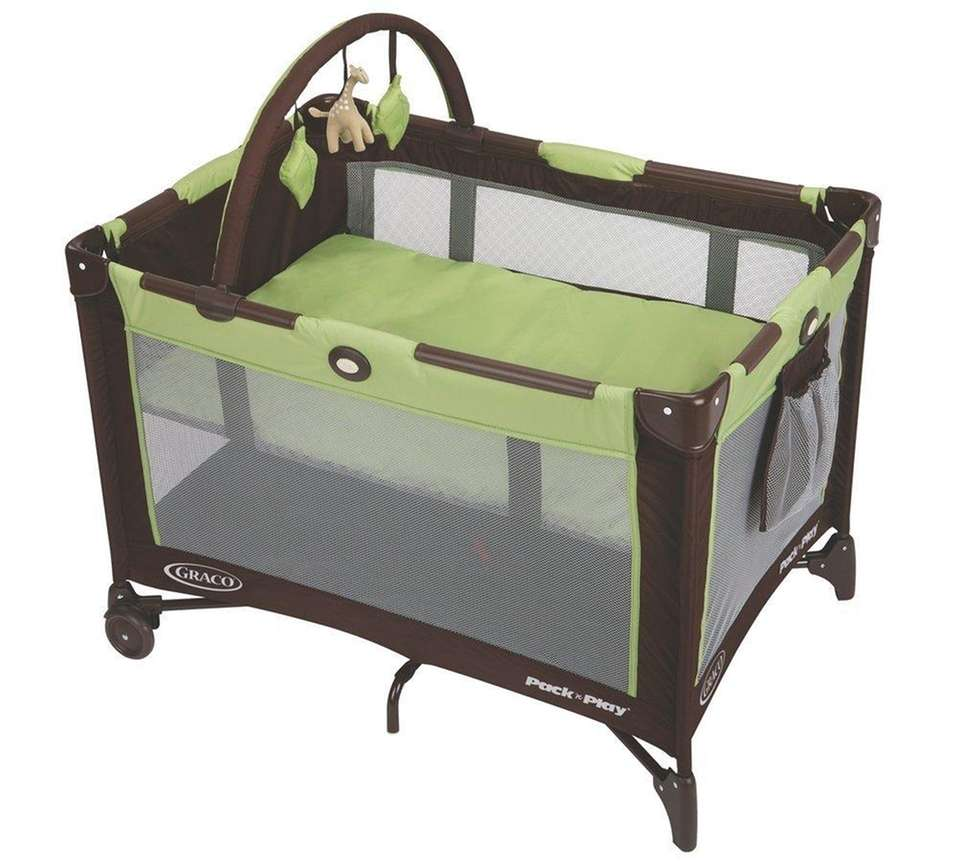 DETAILS: Removable, full-size bassinet, designed to fold with