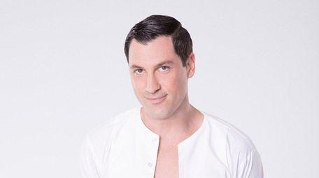 Maksim Chmerkovskiy says he will perform on