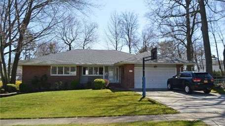 This ranch at 19 Edgemere Dr. in Albertson