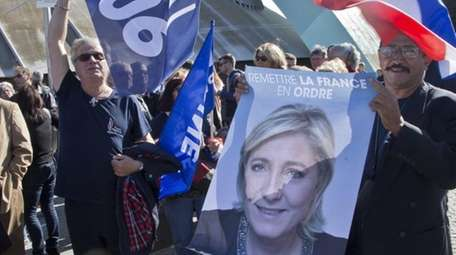 Supporters of far-right leader and French presidential candidate