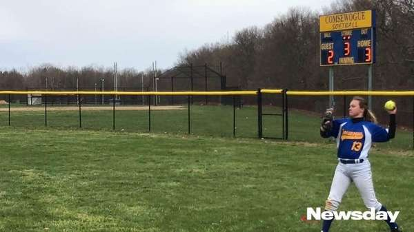 Shoreham-Wading River defeated Comsewogue, 13-10, in Suffolk softball,