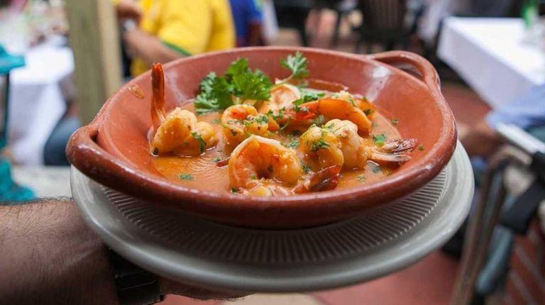 Camarão ao alho, shrimp in garlic sauce, at