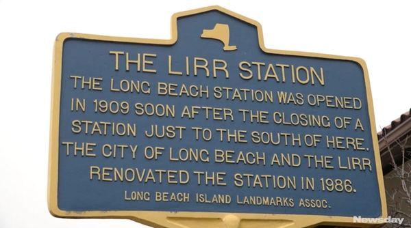 Long Island Rail Roadofficialsled a media tour on
