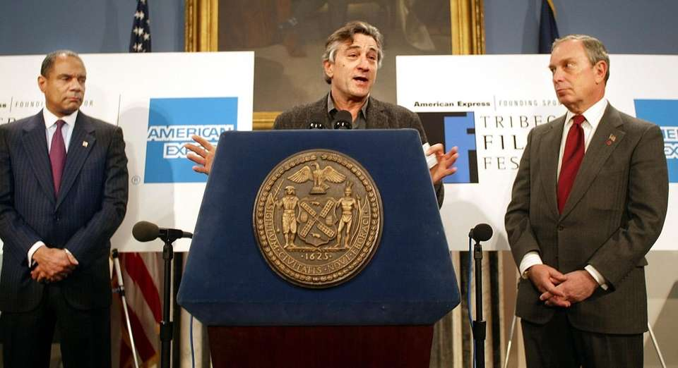 Robert De Niro speaks on March 21, 2002,