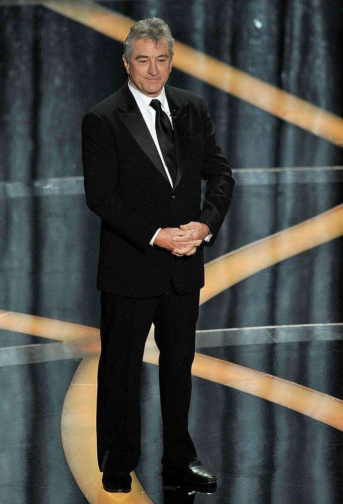 Robert De Niro waits to present the best