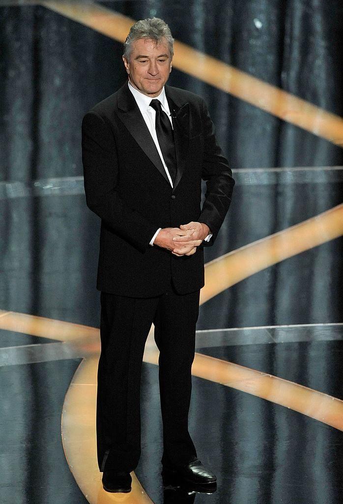 Robert De Niro waits to present the best