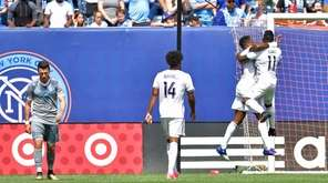 Cyle Larin #9 of Orlando City SC scores