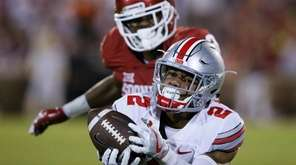 Ohio State cornerback Marshon Lattimore (2) gets his