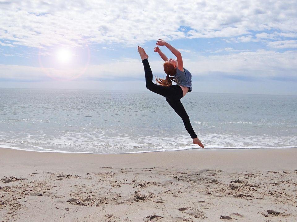 Samantha Cappo finally enjoying Spring at Tobay Beach