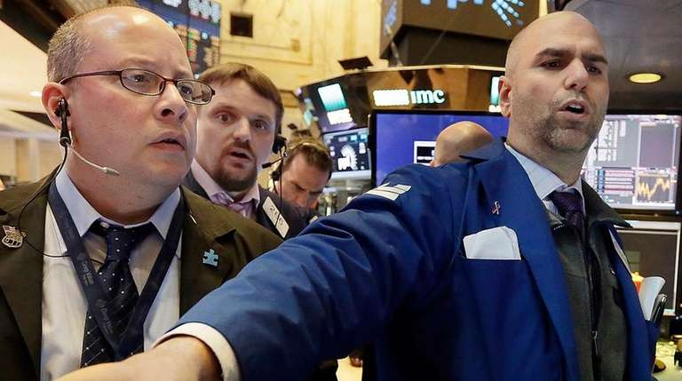 Indexes moved up after strong earnings from big