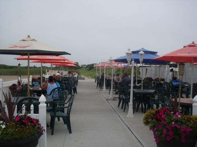 The Seafood Shack next to the bay at