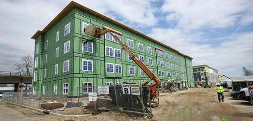 Construction continueson the Copiague Commons mixed-income community in