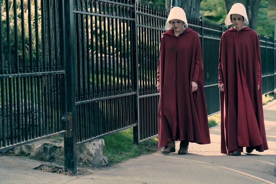 Elisabeth Moss and Alexis Bledel struggle to survive