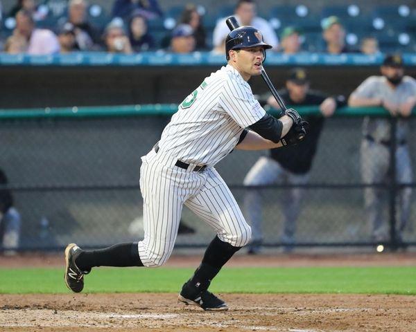Ducks first baseman Nate Freiman #35 gets a