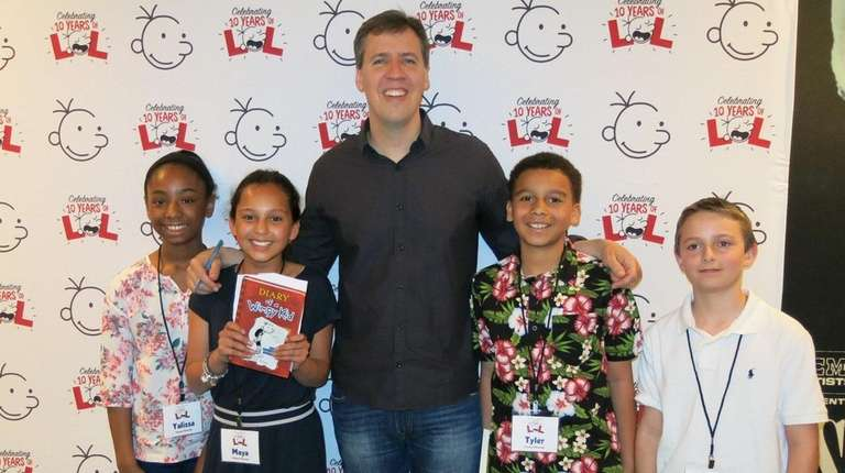 Author Jeff Kinney with Kidsday reporters from Bay