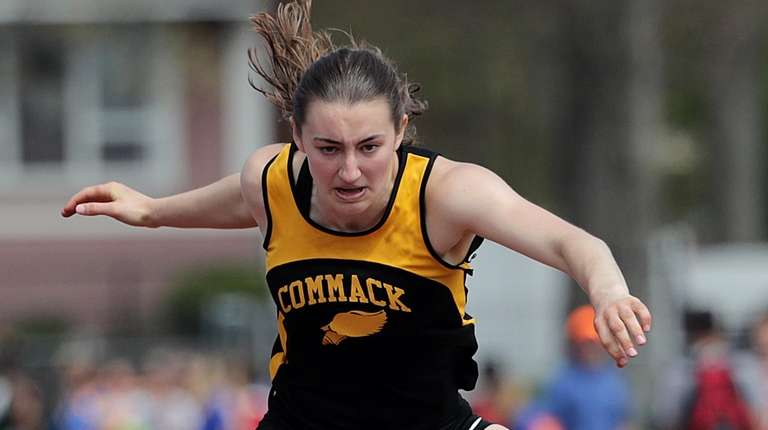 Commack's Amanda McNelis wins the girls 100m hurdles