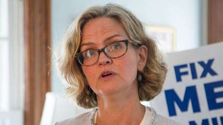 Laura Curran, Democratic candidate for county executive, announces