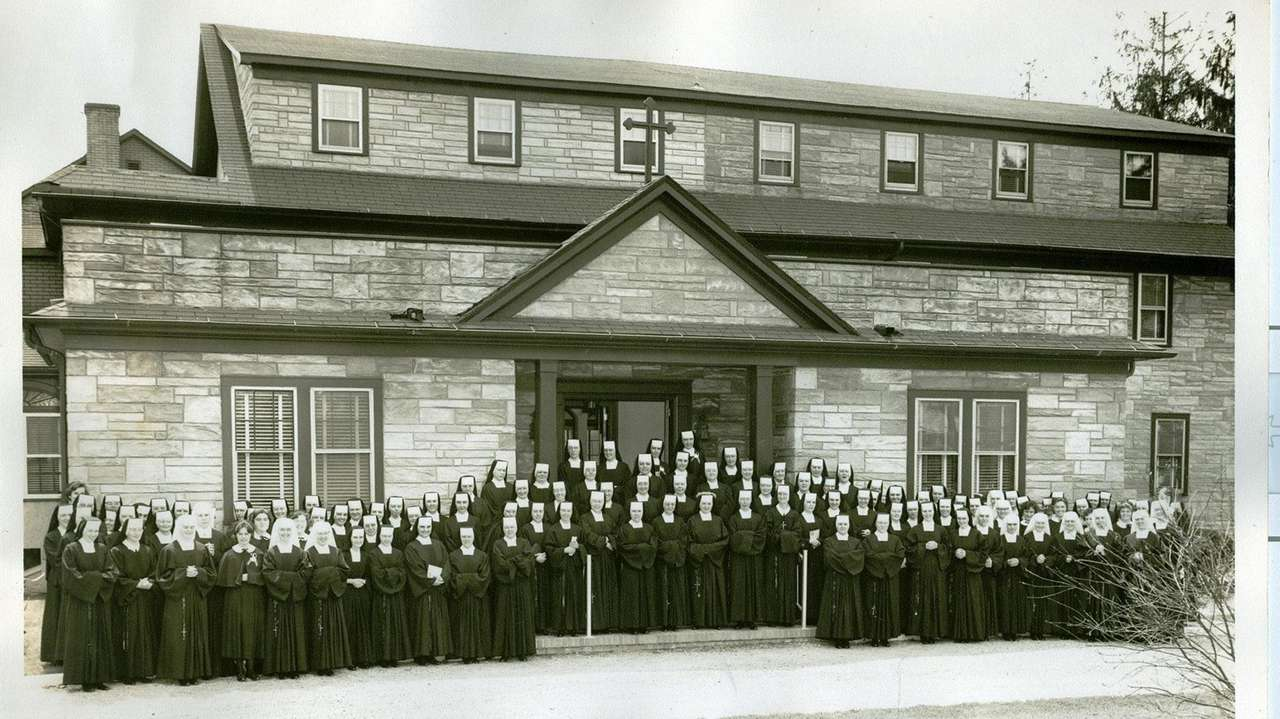 Blue apron hq - Suffolkhistoric Photos Of The Ursuline Sisters In Blue Point
