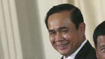 Thailand's Prime Minister Prayuth Chan-ocha, left, and Philippine