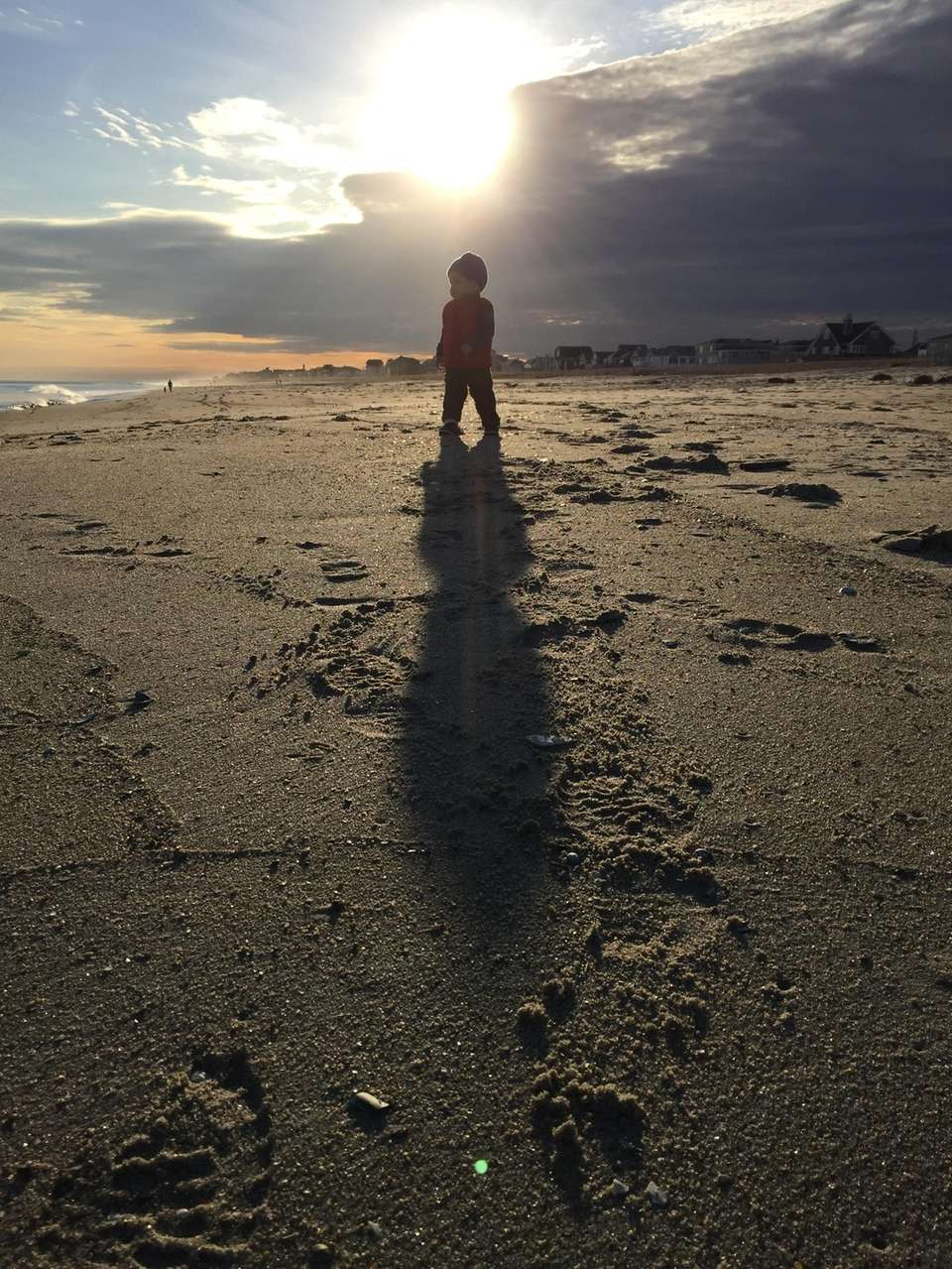 Byrce Fortsch 18months old is beach combing at