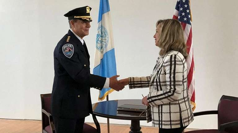 Southampton Police Chief Steven Skrynecki gets sworn into